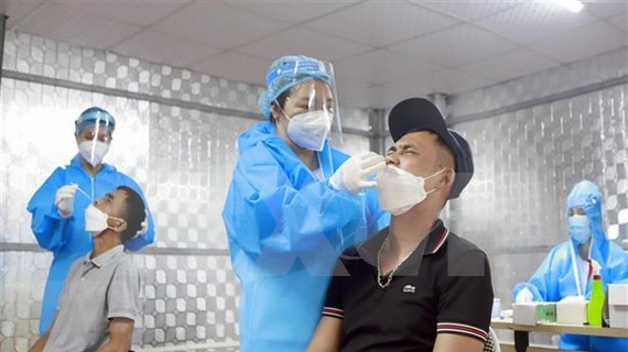 Vietnam confirms 3,977 more COVID-19 infections hinh anh 1