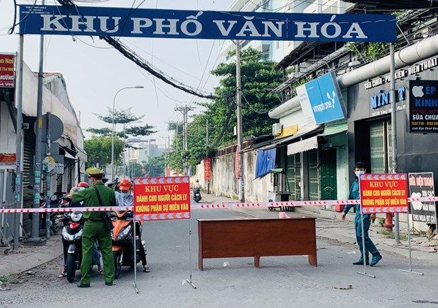HCM City plans tighter movement restrictions to curb COVID-19 hinh anh 1