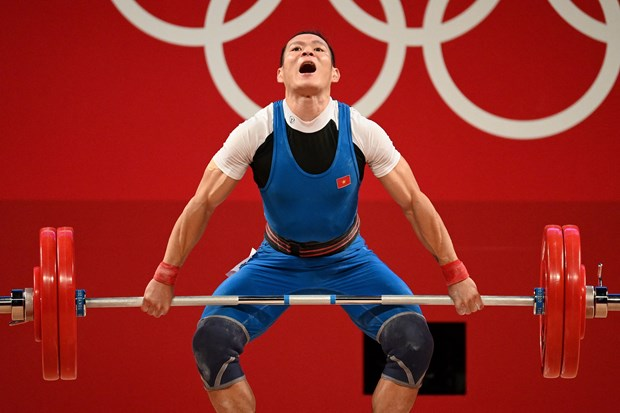 Olympic Tokyo 2020: weightlifter Thach Kim Tuan's medal hope fades hinh anh 1
