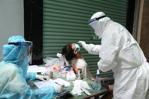 Further 24 cases of COVID-19 detected in Hanoi hinh anh 1