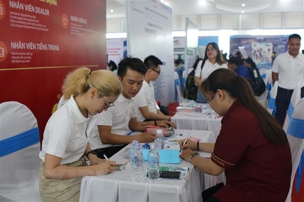COVID stalls personnel hiring, but demand set to zoom: employment firm hinh anh 1