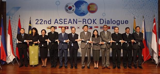 RoK, ASEAN to upgrade FTA hinh anh 1