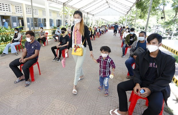 Cambodia begins two-week COVID-19 prevention campaign hinh anh 1