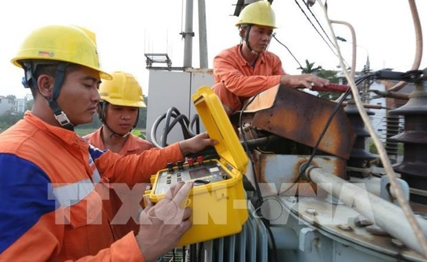 Two Vietnamese companies receive ASEAN awards for occupational safety and health hinh anh 1