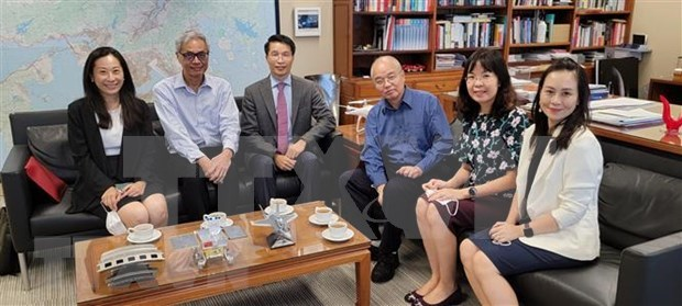 Vietnam seeks to step up education cooperation with Hong Kong hinh anh 1
