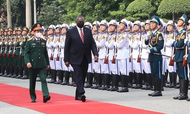US Secretary of Defence pays official visit to Vietnam hinh anh 2