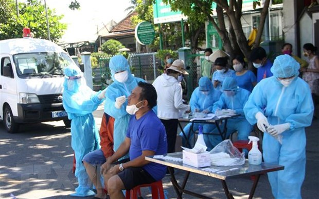 3,657 cases added to Vietnam's COVID-19 tally on July 30 evening hinh anh 1