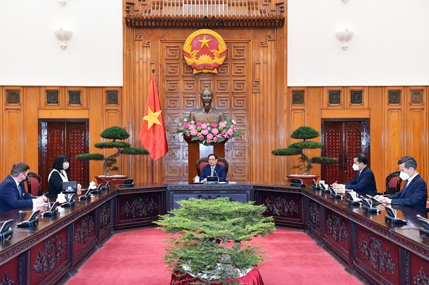 Vietnam treasures traditional friendship with Romania: PM hinh anh 1
