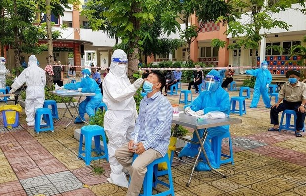 Vietnam records 4,246 new COVID-19 cases hinh anh 1