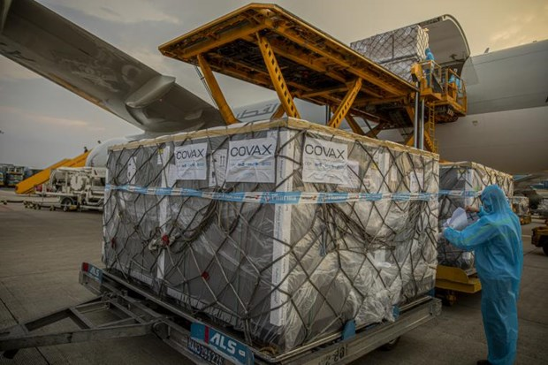 Over 1.18 million COVID-19 vaccine doses from COVAX arrive in Vietnam hinh anh 1