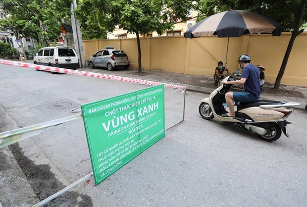 Hanoi sets up first 'green zones' COVID-free areas hinh anh 1