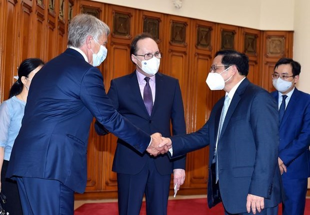 PM commits optimal conditions for newly-appointed Russian Ambassador hinh anh 1