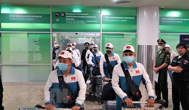 Vietnam's army team arrives in Russia for International Army Games hinh anh 1