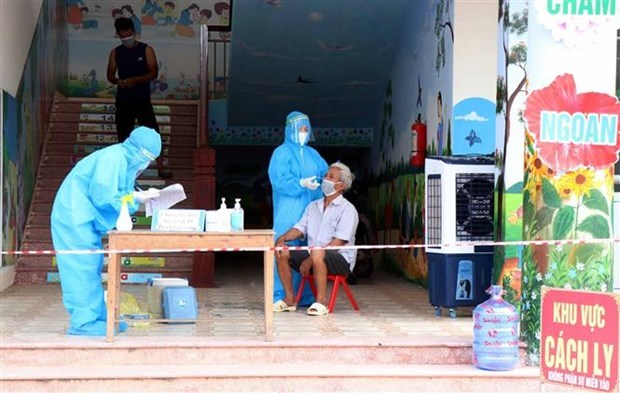 Vietnam reports 7,244 new COVID-19 cases, 393 deaths hinh anh 1
