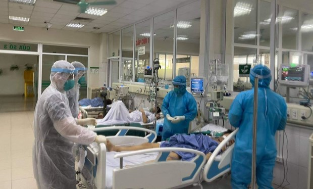 HCM City asked to focus on treating serious COVID-19 cases hinh anh 2