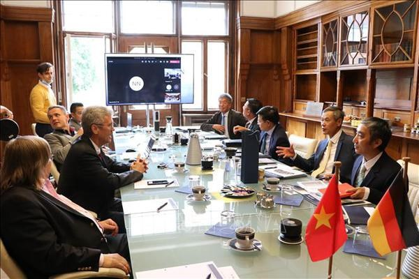 Vietnam, Germany bolster cooperation in renewable energy hinh anh 2