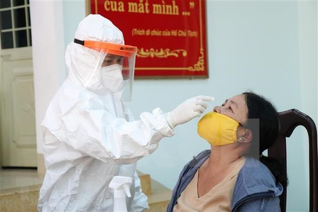 Vietnam has 3,794 new COVID-19 infections to report on August 7 morning hinh anh 1