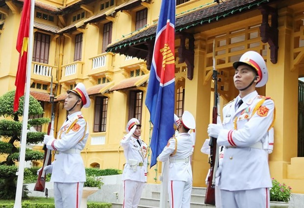 ASEAN member countries unite to overcome challenges, develop steadily hinh anh 1