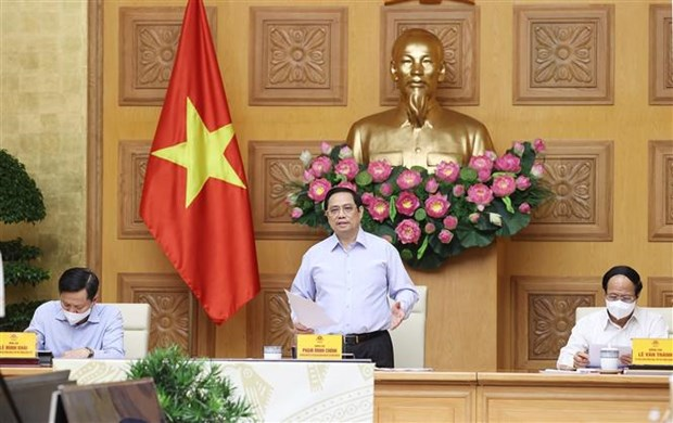 Government always accompanies businesses amid COVID-19: PM hinh anh 1