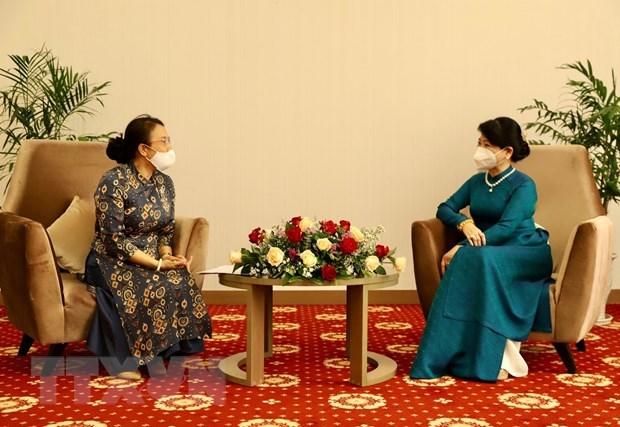 President's spouse receives representatives of Lao-Vietnamese bilingual language school hinh anh 1