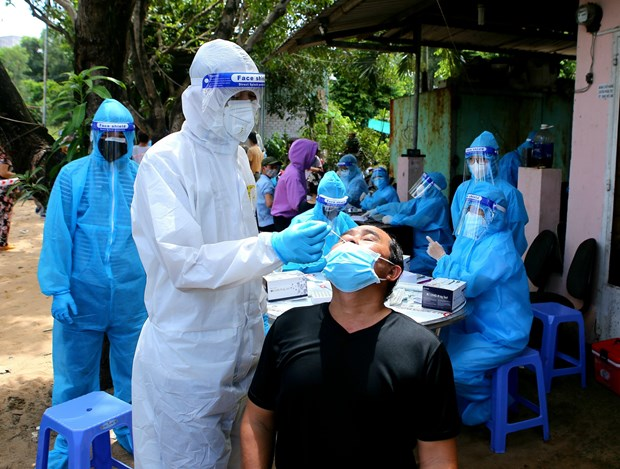 Government aims for HCM City to control COVID-19 outbreak by September 15 hinh anh 1