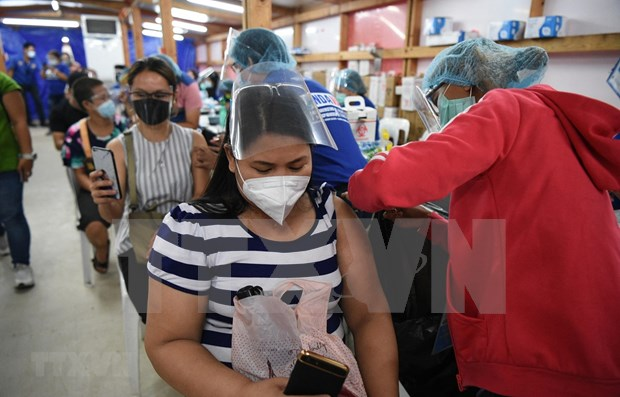 Philippines speeds up vaccination drive hinh anh 1