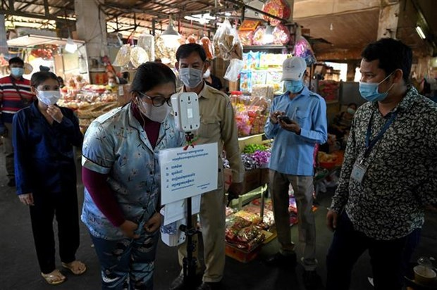 Cambodia, Laos intensify pandemic prevention efforts hinh anh 1