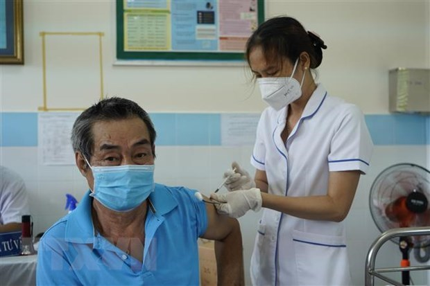 COVID-19: Con Dao plans to have over 70 percent of population fully vaccinated hinh anh 1