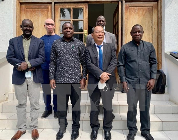 Vietnam, Tanzania look to step up bilateral investment cooperation hinh anh 1