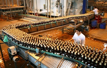 Beer companies report mixed performance in Q2 hinh anh 1