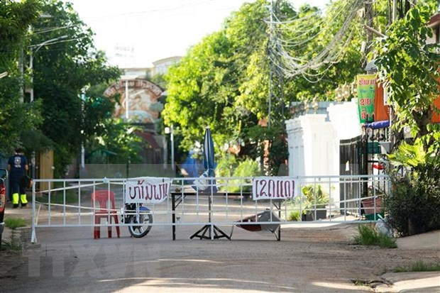 Lao provinces impose lockdown to curb spread of COVID-19 hinh anh 1