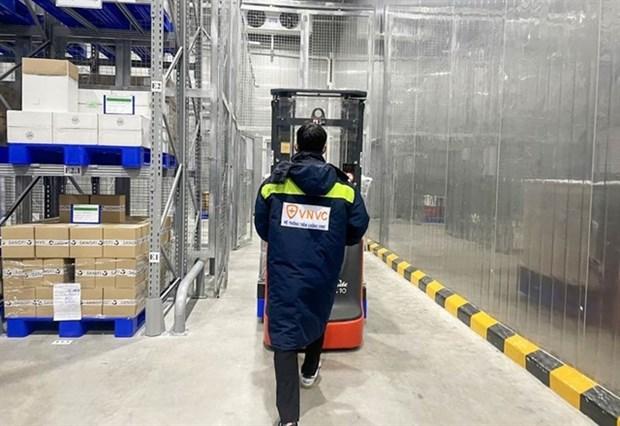 Over 1.1 million doses of AstraZeneca arrive in Vietnam: VNVC hinh anh 1