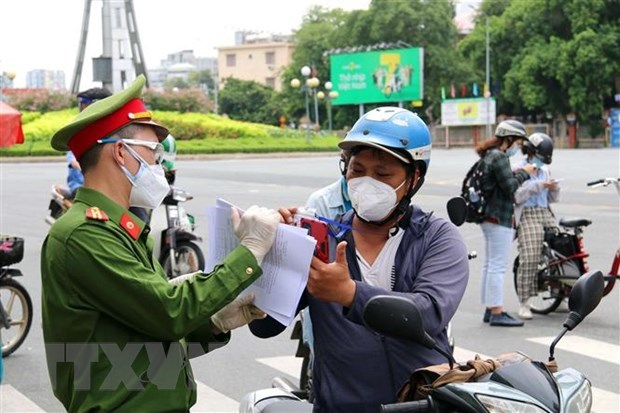 Ho Chi Minh City rolls out measures to control pandemic before September 15 hinh anh 1