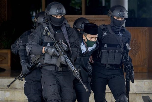 Indonesia arrests 37 terror suspects hinh anh 1