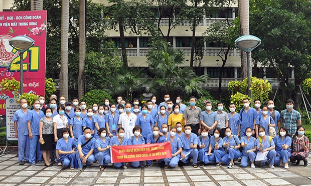 Hanoi sends medical workers to support HCM City in COVID-19 fight hinh anh 1