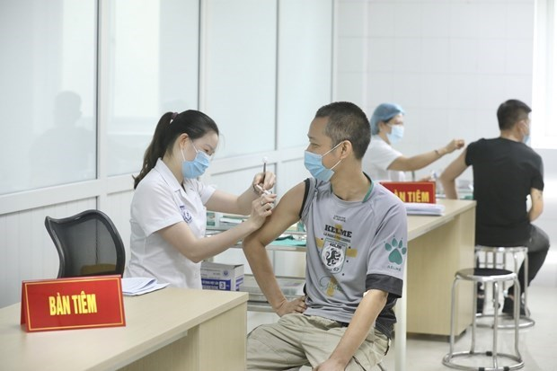 Ministry supports expanding areas for third-phase trials of Nanocovax hinh anh 1