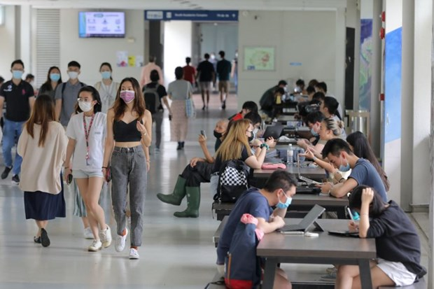 Debt burden of young Singaporean adults increases during pandemic hinh anh 1