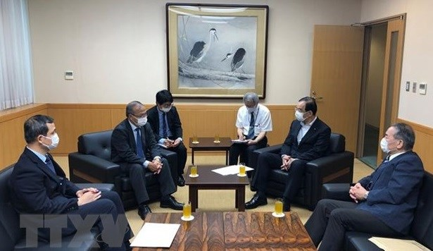 Japanese Communist Party's chief hails Vietnam's concerted efforts against COVID-19 hinh anh 1
