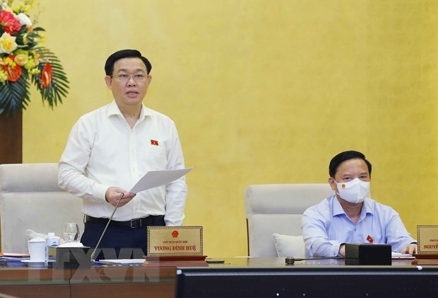 NA Standing Committee wraps up second meeting hinh anh 1