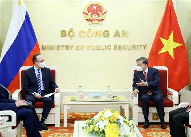 Minister of Public Security receives new Russian Ambassador hinh anh 1