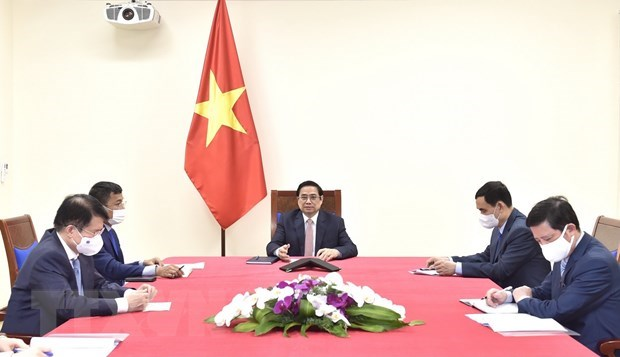 AstraZeneca pledges to deliver more vaccines to Vietnam hinh anh 1