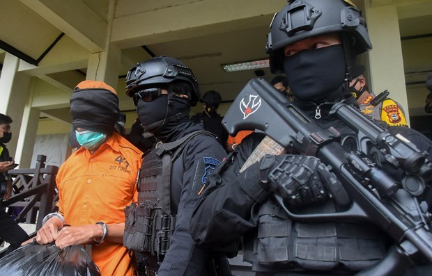Indonesia crackdowns on bombing plot hinh anh 1