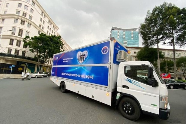 Ho Chi Minh City receives 10 mobile COVID-19 testing vehicles hinh anh 1