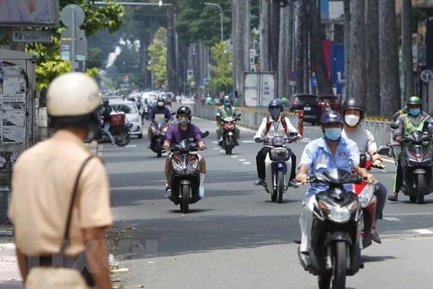 HCM City intensifies social distancing measures hinh anh 1