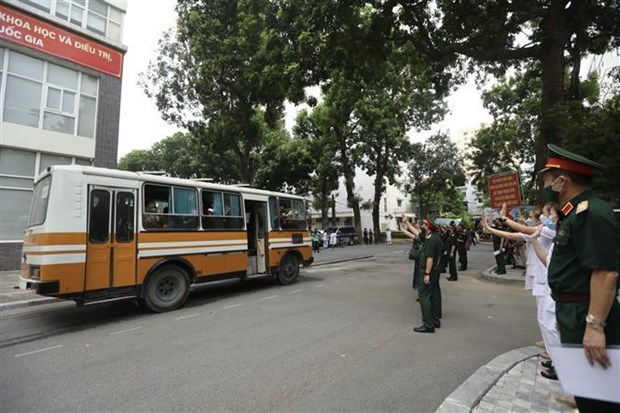 Additional 340 mobile military medical units sent to southern localities hinh anh 1