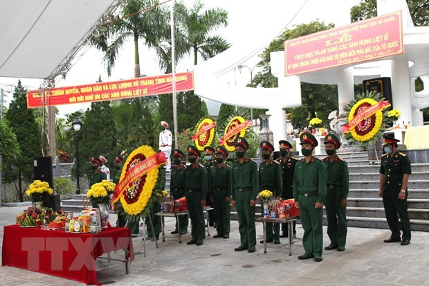 Reburial service held for fallen combatants in Ha Giang province hinh anh 1