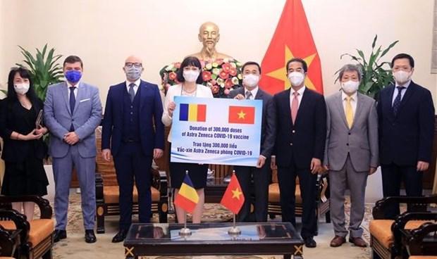 Romania donates 300,000 doses of COVID-19 vaccine to Vietnam hinh anh 1