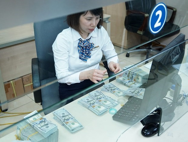 Reference exchange rate down 8 VND on August 26 hinh anh 1