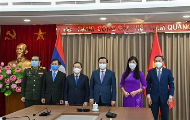 Capital cities of Vietnam, Laos foster multi-faceted cooperation hinh anh 3