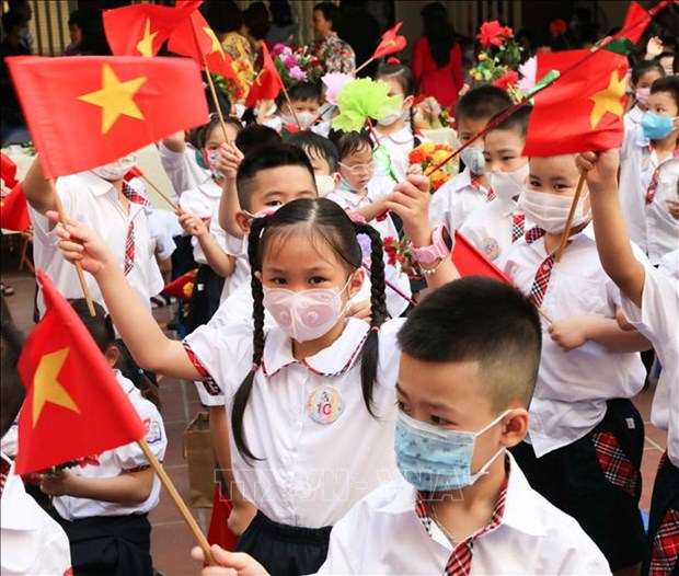 Hanoi students to start school year with virtual ceremony on September 5 hinh anh 1